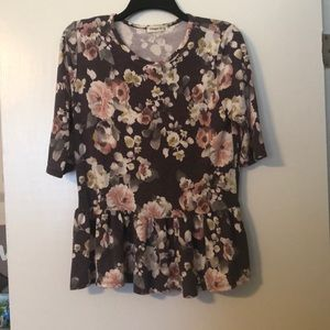VERY SOFT floral peplum top